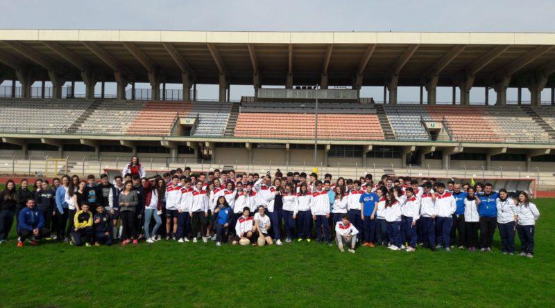 """Rugby nelle scuole, oltre 100 studenti al """"Marco Tomaselli"""" per la giornata conclusiva.Un successo il progetto svolto dalla Nissa Rugby"""