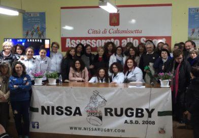 """Tappa nissena di """"Donne d'azione"""", progetto FIR-Loto prevenzione tumore ovarico. Grande successo: al termine, terzo tempo delle Cerbere Nissa Rugby."""